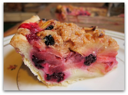 slice of apple blackberry sour cream crumble pie