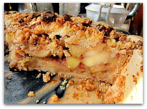 apple pie in the pan out of the oven Jeanettes Best Easy Apple Pie Recipe