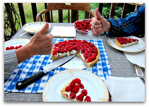 Thumbs up to raspberry tart Sour Cream Raspberry Tart: Berry Dairy Delicious