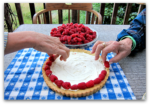 arranging raspberries tart art Sour Cream Raspberry Tart: Berry Dairy Delicious
