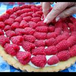 fresh sour cream raspberry tart