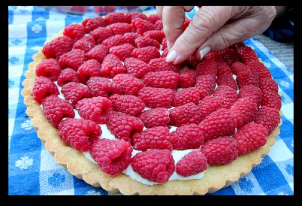 Sour Cream Raspberry Tart: Berry Dairy Delicious { 32 }