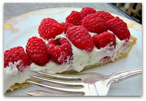sour cream raspberry tart slice Sour Cream Raspberry Tart: Berry Dairy Delicious