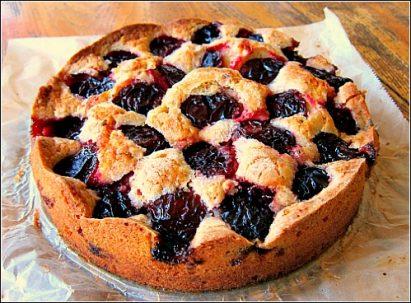 plum buckle cake